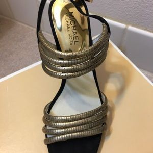 Micheal Kors Sandals size 8